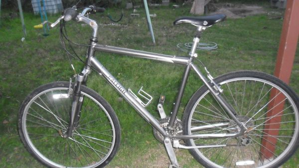 RALEIGH HYBRIDCONFORT BIKE - $165 (NORTH)