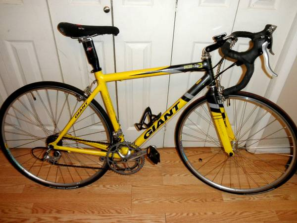 Giant TCR-2R  road bike  tri bike  50cm  Ultegra  105 - $575 (Houston  Montrose  Midtown)