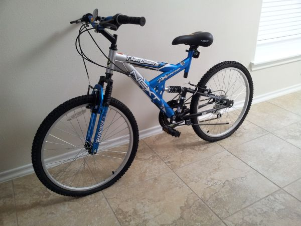 NEXT Power Climber Boys 18-Speed Bike -18E Bicycle - $60 (Woodlands, TX)