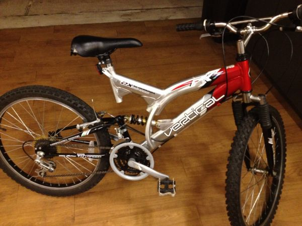 PK7 Vertical Mountain Bike - $50 (sugar land)