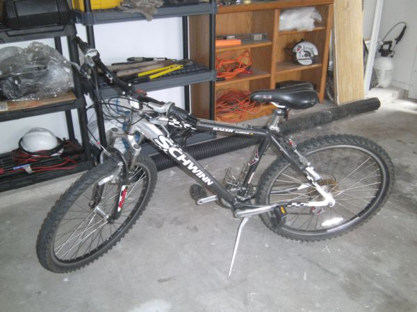 mens 21 speed Schwinn Mountain Bike - $120 (North Houston Spring)