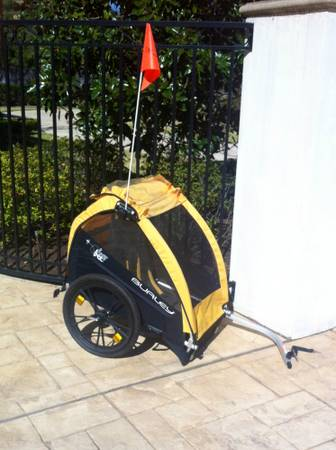 Burley Honey Bee Double Bike Trailer  - $180 (I-10Memorial area)