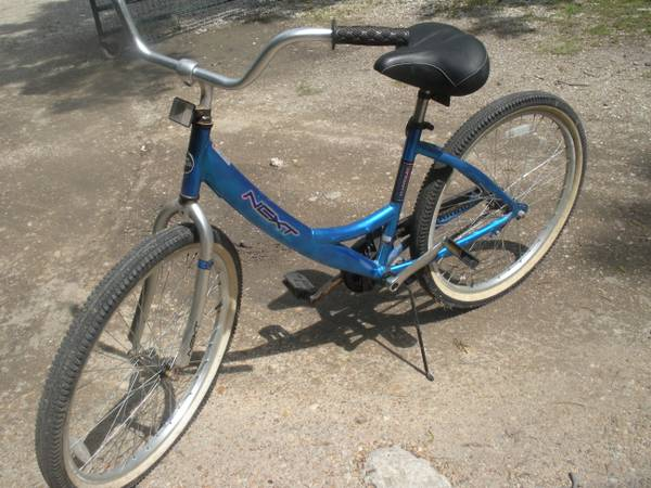 NEXT LA JOLLA  BEACH CRUISER BICYCLE - $65 (288almeda-genoa)