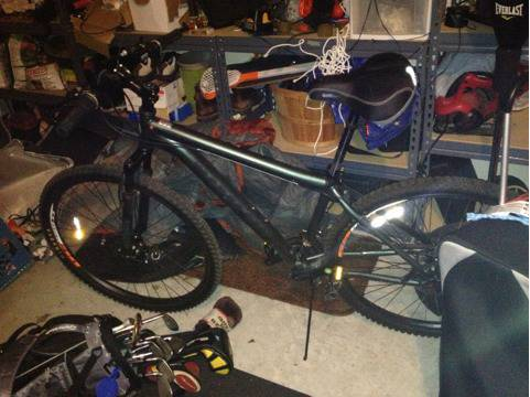 Mongoose deception 29er 17quot - $80 (Deer park)