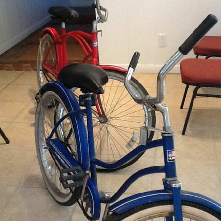 2 BIKES HUFFY 1960 or 1970 GOOD CONDITION