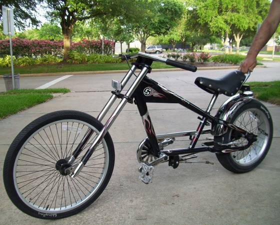 SCHWINN Stingray CHOPPER BIKE - $110 (Missouri CitySugar Land)