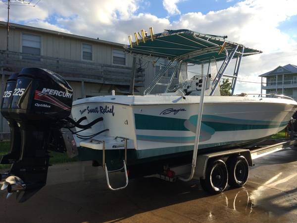 28ft Baja Center Console OFFSHORE BOAT W TWIN MERCURY OPTIMAX 225HPS - $32500 (MATAGORDA, TX)