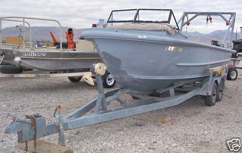 26 Aluminum Monark boat and trailer - $8000 (Lakeway)