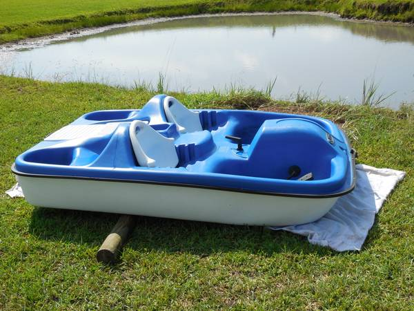 Pelican Paddle Boat 5 Seater - $450 (NE Houston)