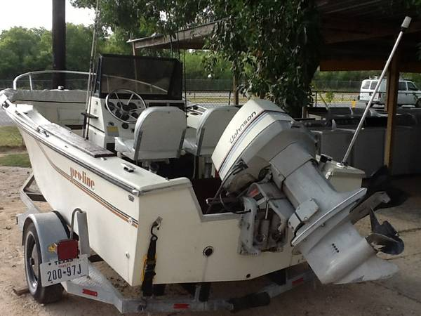83 Proline Fishing Boat 17.Ft - $3850 (South austin)
