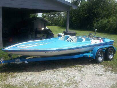 1989 Outlaw Jet Boat Blue and FAST - $7000 (Pearland)