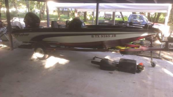 1997 FISHER 17 BASS BOAT - $3000 (KEMAH,  SEABROOK)