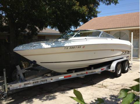 Like new 1997 sea ray 210 signature bow rider ski boat 21 ft - $9800 (Pasadena tx)