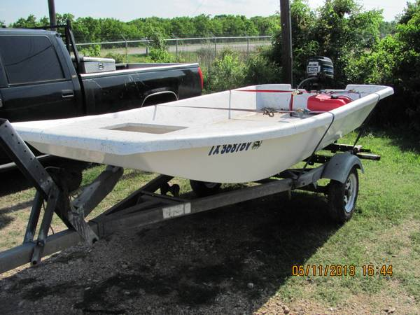 REDUCED New J12 Carolina Skiff - $1600 (Lake JacksonFreeport)