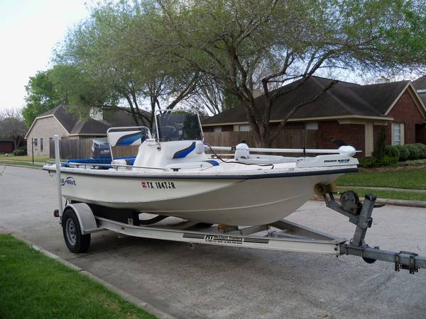 2002 Blue Wave 18ft boat - $9000 (Friendswood Tx)