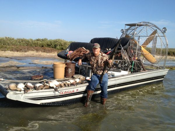 DIAMOND BACK AIRBOAT 20X8 - Price Reduced - $29995 (HARLINGEN, TX)