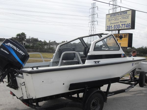 BOSTON WHALER SENTRY MILTARY - $8500 (PEARLAND)