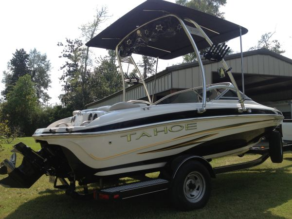 08 Tahoe Q4 w Wakeboard tower - $15400 (Orange TX)