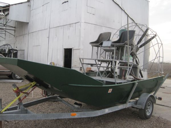 14 ft panther airboat - $14000 (Calallen)