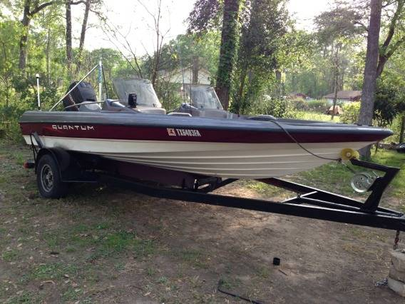 1996 Quantum Bass Boat 18 FT - $3700 (Spring)