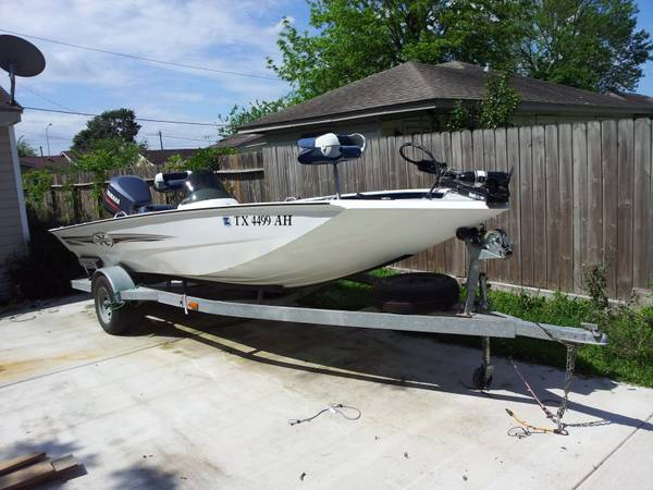 2001 18 XPRESS BASS BOAT W130 YAMAHA - $8500 (E.HOUSTON)