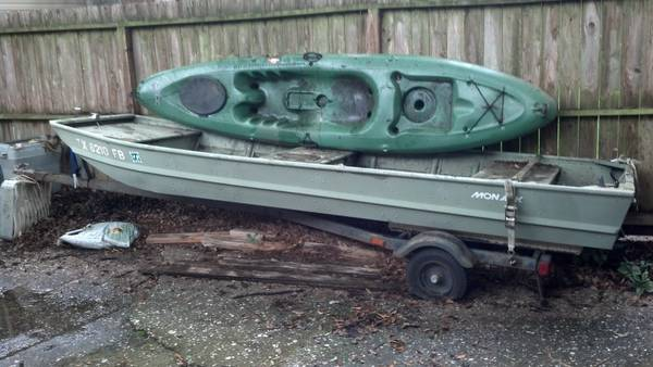 10 Mainstream Kayak and 12 Monarc John Boat wtrailer - $200 (West Houston)