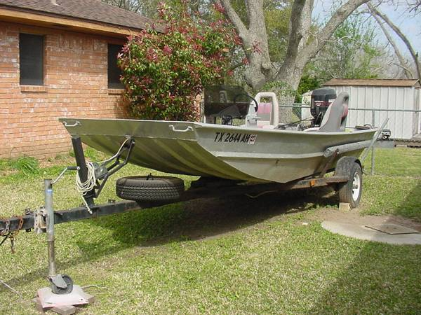 16 ft Aluminum Flat Bottom Boat w30 hp Jet Outboard - $2400 (Brazoria)