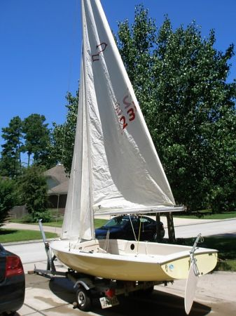 1977 15 Chrysler Mutineer Sailboat - $1250 (The Woodlands)