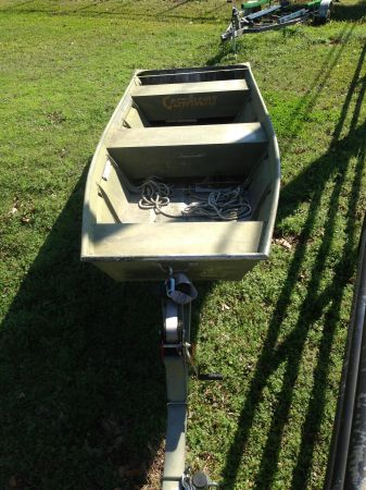 14 foot Jon boat with new trailer - $800 (Houston )