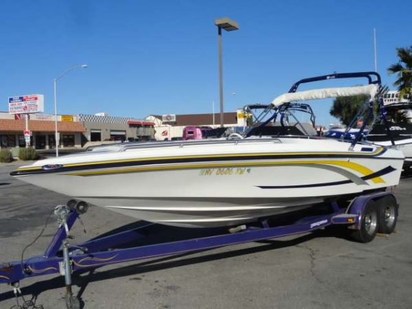 Like New 21.539 Wake Board Boat w warranty - $24500 (Cleveland)