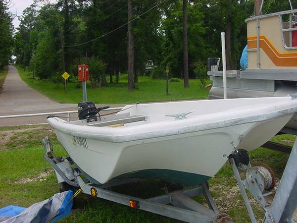 Fiberglass Gamefisher boat with 15 HP Gamefisher - $800 (Willis)