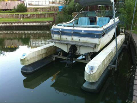 1986 Cobalt 21 foot bowrider ski boat with dual axle trailer - $1999 (West Houston 77024)