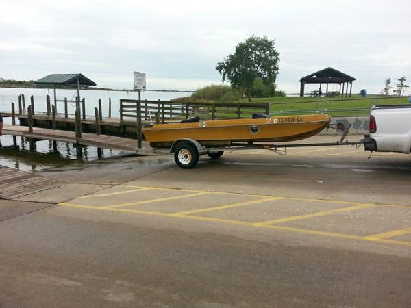 18 foot bass master flat bottom boat  Baytown
