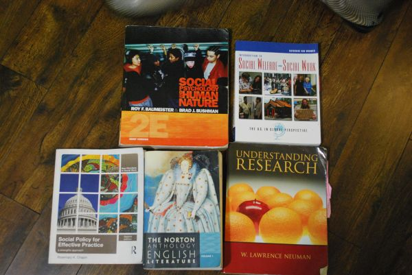 college books UHD HCC - $1 (NORTH HOUSTON)