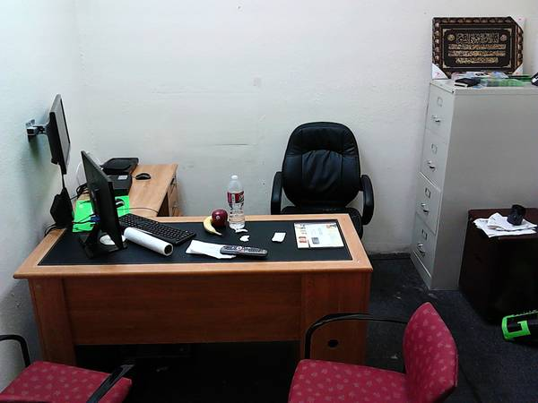 cellphone and computer store for sale - $19000 (8261 richmond ave suite G)