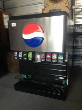 SODA FOUNTAIN MACHINE 8 HEAD EXCELLENT CONDITION  - $500 (WOODLAND)