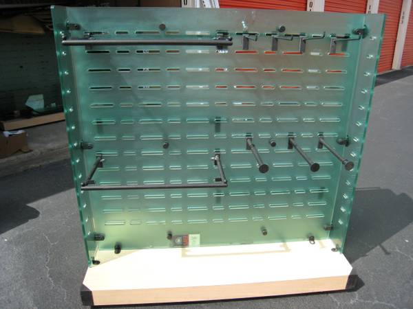 Store Fixtures - High End Plexiglass Display - $75 (NW 290)