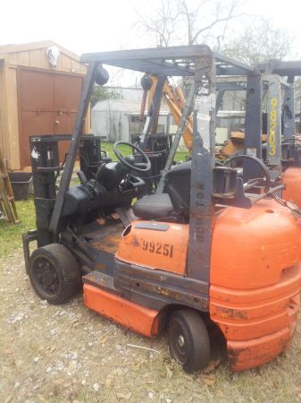 forklift Toyota propain - $3500 (Sugarland TX)