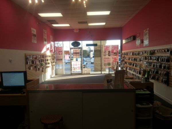 T-Moible Authorized Store - $10500 (Cypress TX 832 858 1173 )