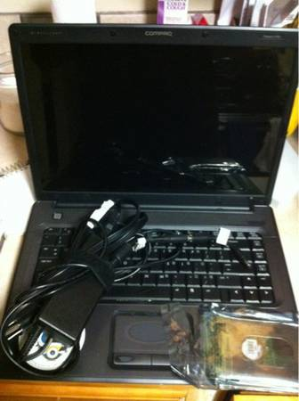 Compaq presario f700 for parts - $1 (Alvin, Rosharon, Manvel South 288)