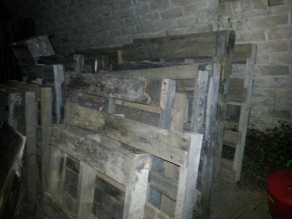 over 20 free pallets (alief)