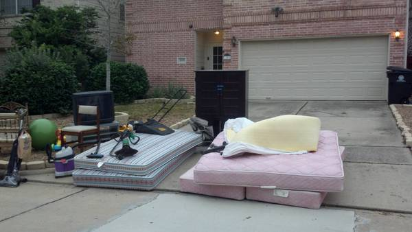 free tvs, beds, lawnmower, weedeater, etc (spring branch)