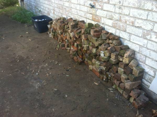 Free Broken Bricks (Dairy Ashford and I10)