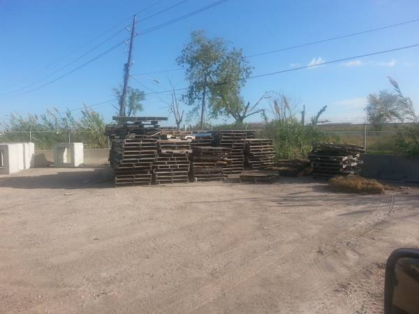WOOD PALLETS FOR FREE (WEST HOUSTON)
