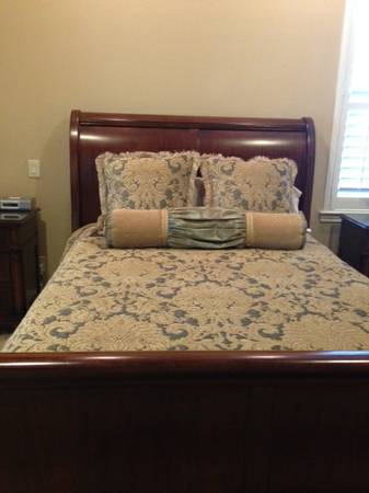 Thomasville Sleigh Bed For Sale