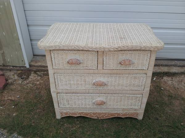 Pier 1 Upscale White Wicker Ornate Trim DRESSER Jamaica Collection 2 available - $79 (Spring Cypress Stuebner Airline)