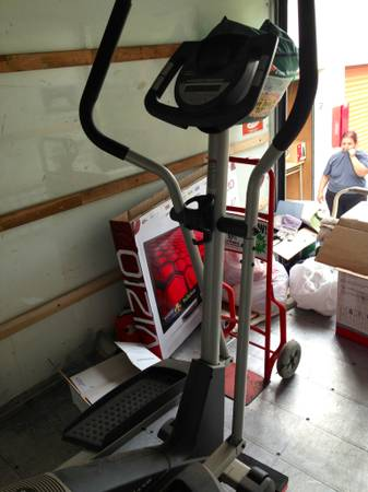 ProForm XP 115 Elliptical Trainer adjustable stride Exercise Gym - $175