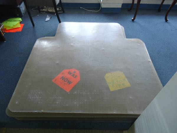 12-INSTOCK THICK HEAVY DUTY PLASTIC CHAIR MAT FLOOR MAT - $40 (ALEX OFFICE FURNITURE 281 785 4489)