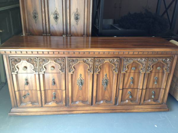 Broyhill Premier Vintage Furniture - Sturdy Heavy Wood - $700 (NW- 290 Hollister)