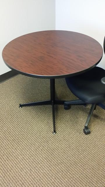 39  36 Round Table